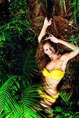 Yellow bikini — Zdjęcie stockowe