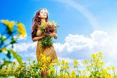 Gathering flowers — Stock Photo