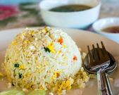 Smažená rýže s vejci a cibulkou — Stock fotografie