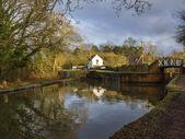 运河边的房子 — 图库照片