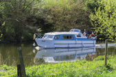 White boat on Canal, England — Stock Photo