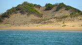 Landscape of shoreline with sand dune in panama — Stock Photo