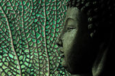 Tropical and serene buddha with oceanic background in green — ストック写真