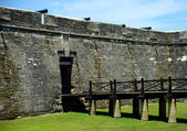 Ophaalbrug in castillo de san marcos fort — Stockfoto