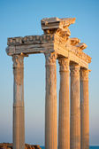 Colonnade of the ruins of the Temple of Apollo in Side. Turkey — Stock Photo