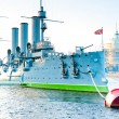 Famous landmark Petersburg-Cruiser Aurora — Stock Photo #40981763