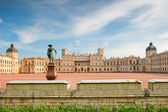 Famous palace in the suburbs of St. Petersburg — Stock Photo