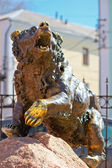 Famous sculpture bear in Yaroslavl, symbol of the city — Stock Photo