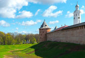 Medieval tower of the Kremlin in Veliky Novgorod — Stock fotografie