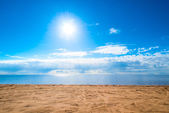 Beautiful seascape - blue sky and light clouds — Stock Photo
