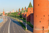 Road along the walls of Moscow Kremlin — 图库照片
