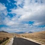 Road in mountains. Asphalt Road in Romania Carpathian mountains — Stock Photo
