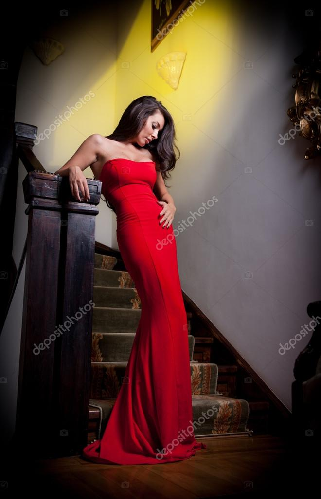 Позы для в длинных платьях