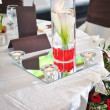 Decoration of summer garden table. Roses in vase on white table — Foto de Stock