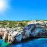 Blue caves on Zakynthos island, Greece .Famous caves with crystal clear waters on Zakynthos island (Greece) — Stock Photo