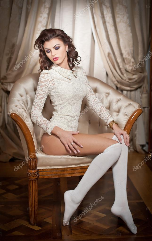 Lady With Long Sexy Leg Erotic Poses 65