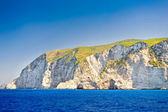 Coast of Greece, Navagio beach, Zakynthos island, Greece .View of the coast from the sea. Side view of Navagio beach in Greece — Stock Photo