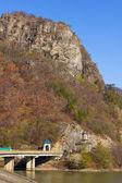 Olt Valley at Cozia, Valcea, Romania — Stockfoto
