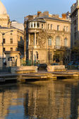 Bucharest architecture and Dambovita river — Stock Photo