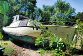Boat in the Garden — Stock Photo