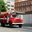 Fire truck rides on an urgent call — Stock Photo
