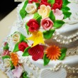 Wedding cake with flowers — Stock Photo