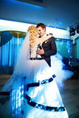 Wedding dance the bride and groom — Stock Photo