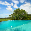 Infinity swimming pool — Stockfoto