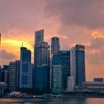 Singapore skyline shines — Stock Photo
