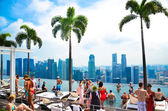 Swimming pool of the Marina Bay Sands — ストック写真