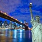 Brooklyn Bridge with Liberty Statue — Stock Photo #32900769