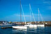 Sportfartyg i havet — Stockfoto