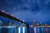 Brooklyn bridge at night in New York city — Stock Photo