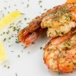 Prawns with garlic and lemon — Stock Photo