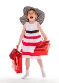 Giovane ragazza va a fare shopping. — Foto Stock