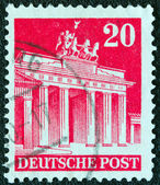 GERMANY - CIRCA 1948: A stamp printed in Germany (British and American Zones) shows Brandenburg Gate, circa 1948. — Stockfoto