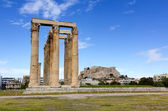 Temple of Olympian Zeus, Acropolis in background, Athens, Greece — Stock Photo