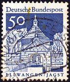 Allemagne - vers 1966 : un timbre imprimé en allemagne de la question des « monuments historiques » montre la porte de château, ellwangen, vers 1966. — Photo