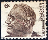 """USA - CIRCA 1965: A stamp printed in USA from the """"Prominent Americans (1st series)"""" issue shows president Franklin Delano Roosevelt, circa 1965. — Stock Photo"""