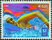 希腊-大约 2004年: 印在希腊雅典的奥运会 》 发行一张邮票展示的游泳者,大约在 2004年. — 图库照片