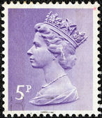 UNITED KINGDOM - CIRCA 1971: A stamp printed in United Kingdom shows a portrait of Queen Elizabeth II, circa 1971. — Stock Photo