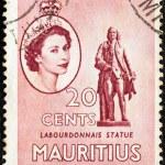 MAURITIUS - CIRCA 1953: A stamp printed in Mauritius shows Labourdonnais statue and portrait of Queen Elizabeth II, circa 1953. — Stock Photo #19756559
