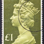 UNITED KINGDOM - CIRCA 1977: A stamp printed in United Kingdom shows Queen Elizabeth II, circa 1977. — Stock Photo #20041521