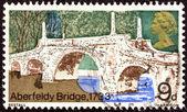 "UNITED KINGDOM - CIRCA 1968: A stamp printed in United Kingdom from the ""British Bridges"" issue shows Aberfeldy Bridge, circa 1968. — Stockfoto"