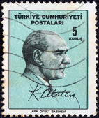 TURKEY - CIRCA 1965: A stamp printed in Turkey shows Kemal Ataturk and signature, circa 1965. — Zdjęcie stockowe