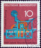 "GERMANY - CIRCA 1968: A stamp printed in Germany from the ""Scientific anniversaries (3rd series)"" issue shows Koenig's Printing Machine (150th anniversary), circa 1968. — Stock fotografie"