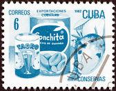 куба - около 1982 года: марку, напечатанную на кубе от вопроса «экспорт» показывает консервированные фрукты (консервы), около 1982 года. — Стоковое фото