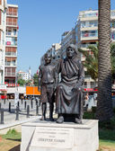 Memorial of Kemal Ataturk as a child and his mother Zubeyde Hanim, Izmir, Turkey. — Stock Photo
