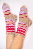 Stopy w skarpetkach ciepłe — Zdjęcie stockowe