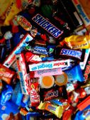 Sweets,. snikers. mars. bounty. Halloween — Stock Photo